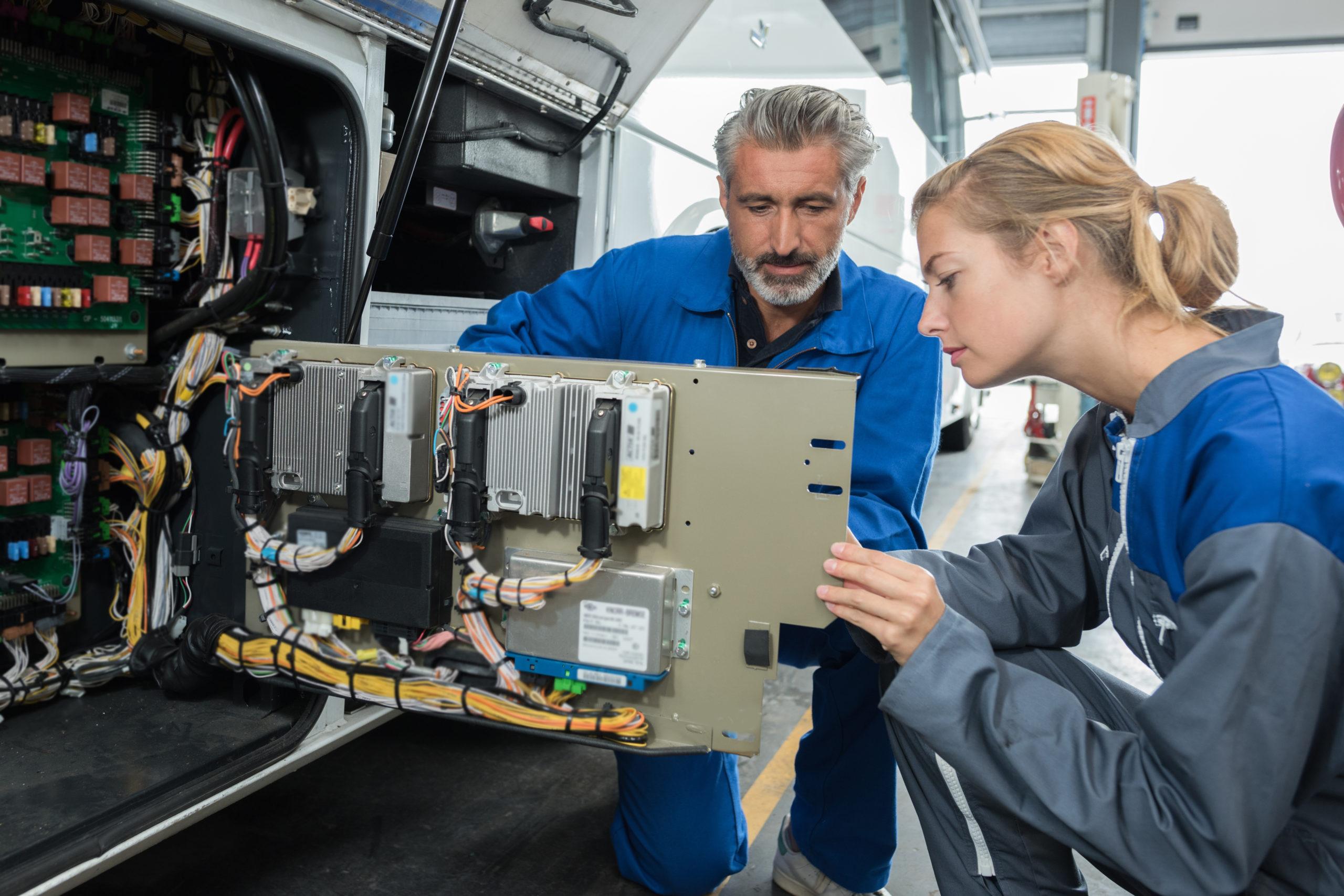 Prüfen ortveränderlicher elektrischer Betriebsmittel nach DGUV V3